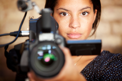 Jonge cameravrouw
